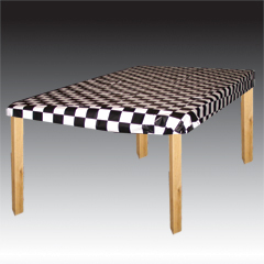 BLACK & WHITE CHECK   STAY PUT TABLE COVER